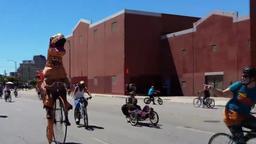 Bicicletta contro cascata