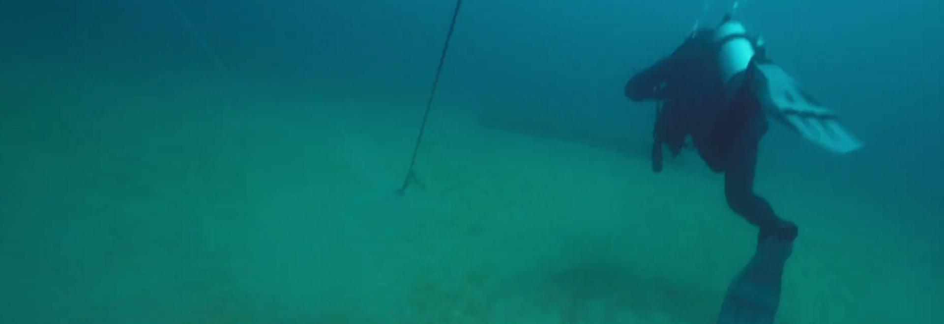 C'è un vagone sott'acqua!