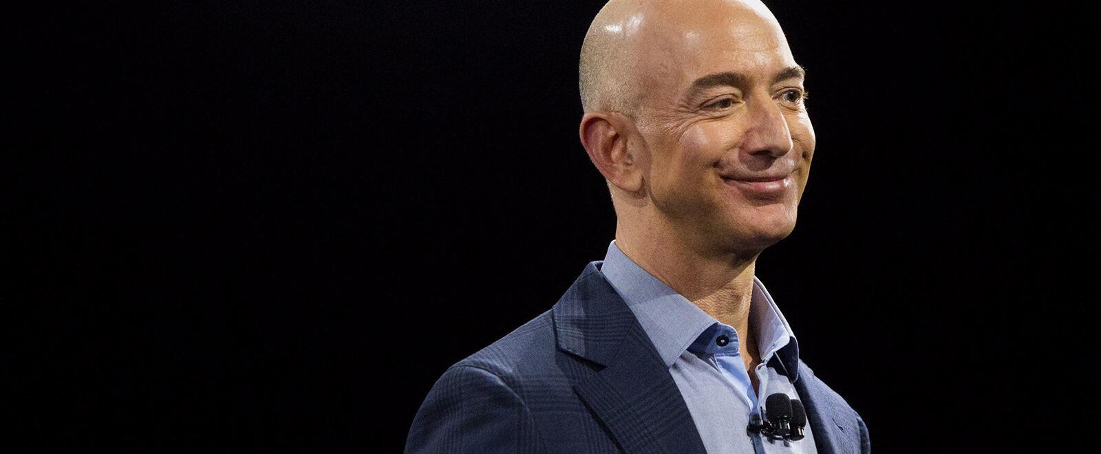Dossier Jeff Bezos - chi e' il papa'..