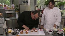 Giuseppe Amato: gelatina di arance con gelato al bergamotto e fiori commestibili