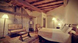Veneto: Gentleman of Verona e Castello di Compiano