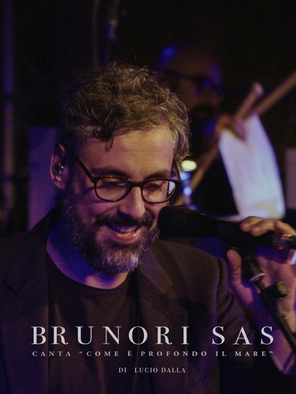 Brunori Sas canta 'Come e'...