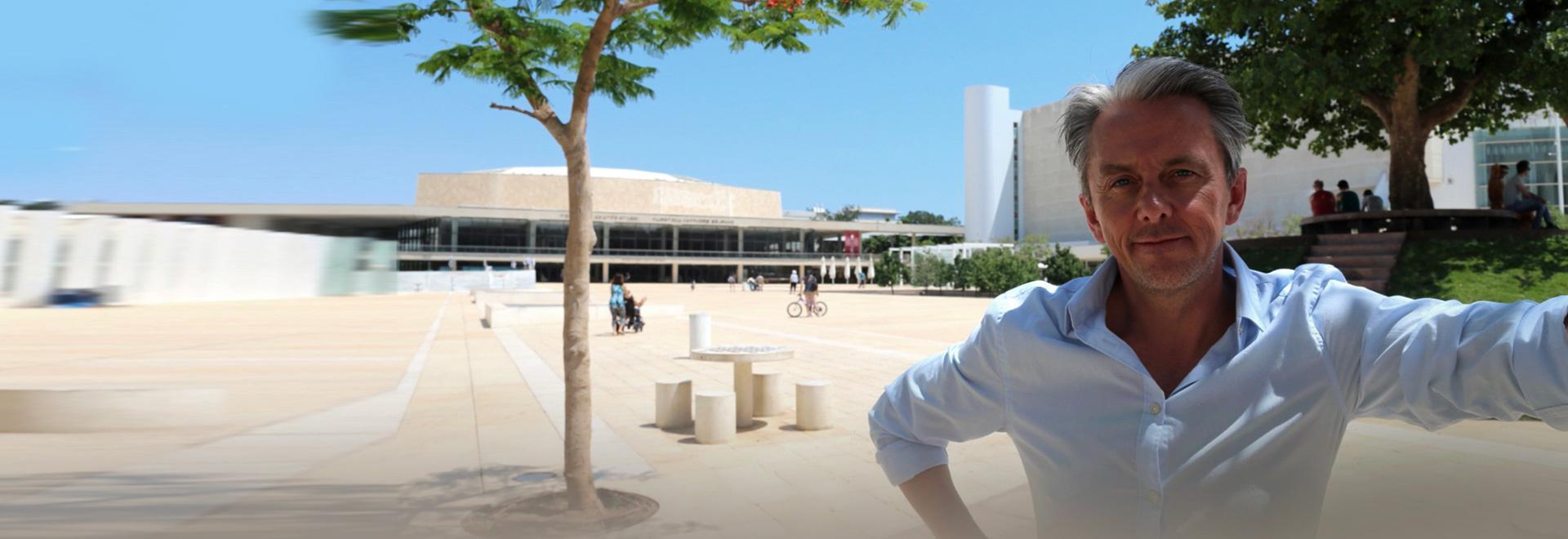 Tel Aviv, la città bianca e la città nera