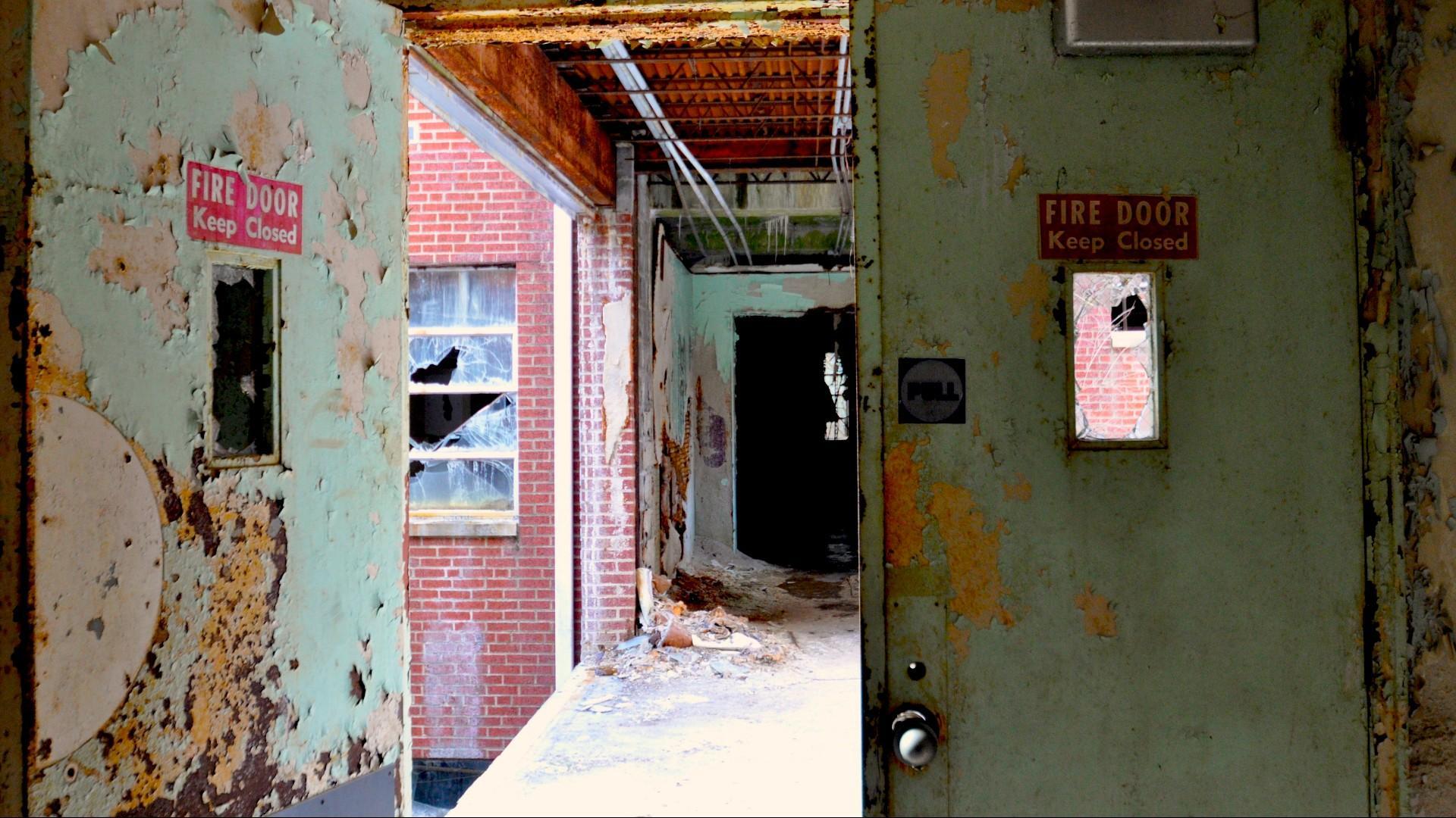 DMAX Ghost Asylum