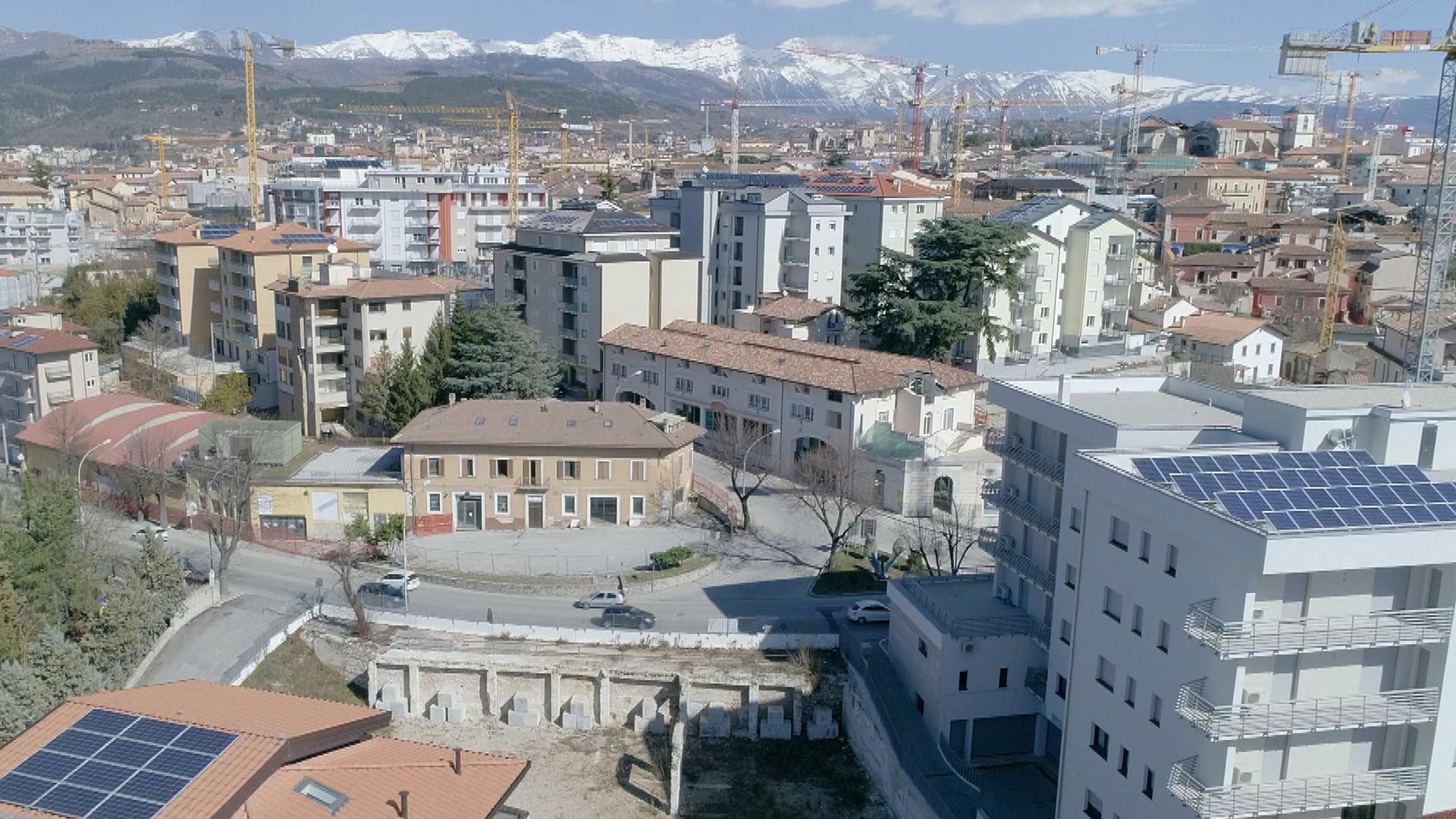 History HD L'Aquila. Una citta' italiana