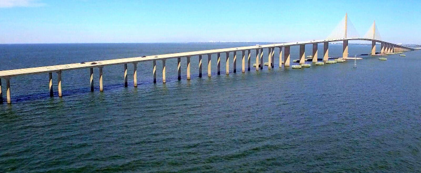 GIANT CONSTRUCTIONS - THE WORLD'S MOST SPECTACULAR BRIDGES