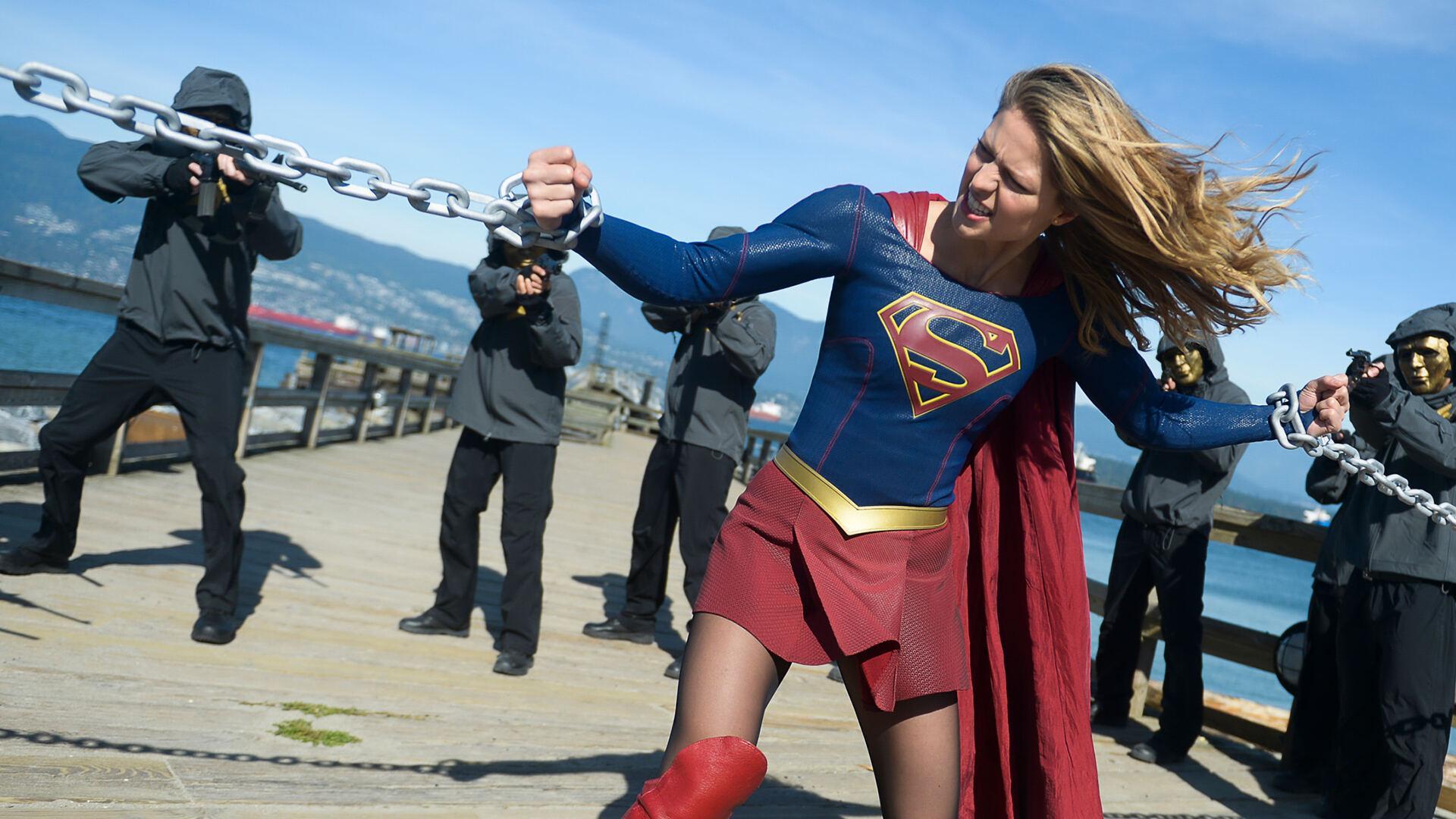 Premium Action Supergirl - 1^TV