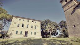 Tra Marche e Abruzzo: Borgo Storico Seghetti Panichi e Sextantio