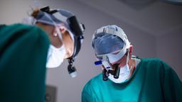 Giulio Maira, luminare della neurochirurgia, una vita tra ricerca e formazione