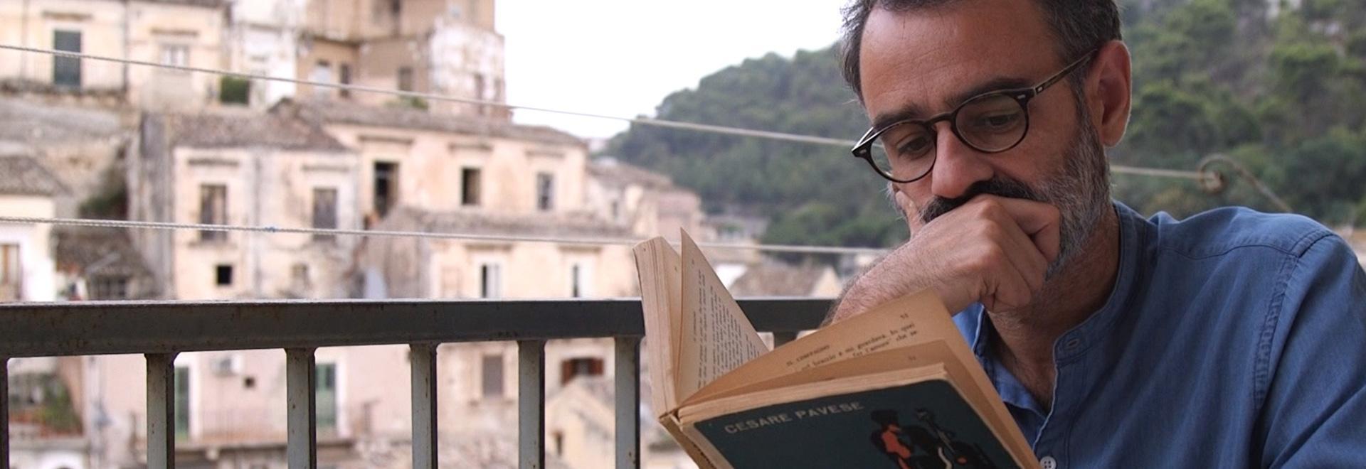 Gianfranco, il lettore in divisa