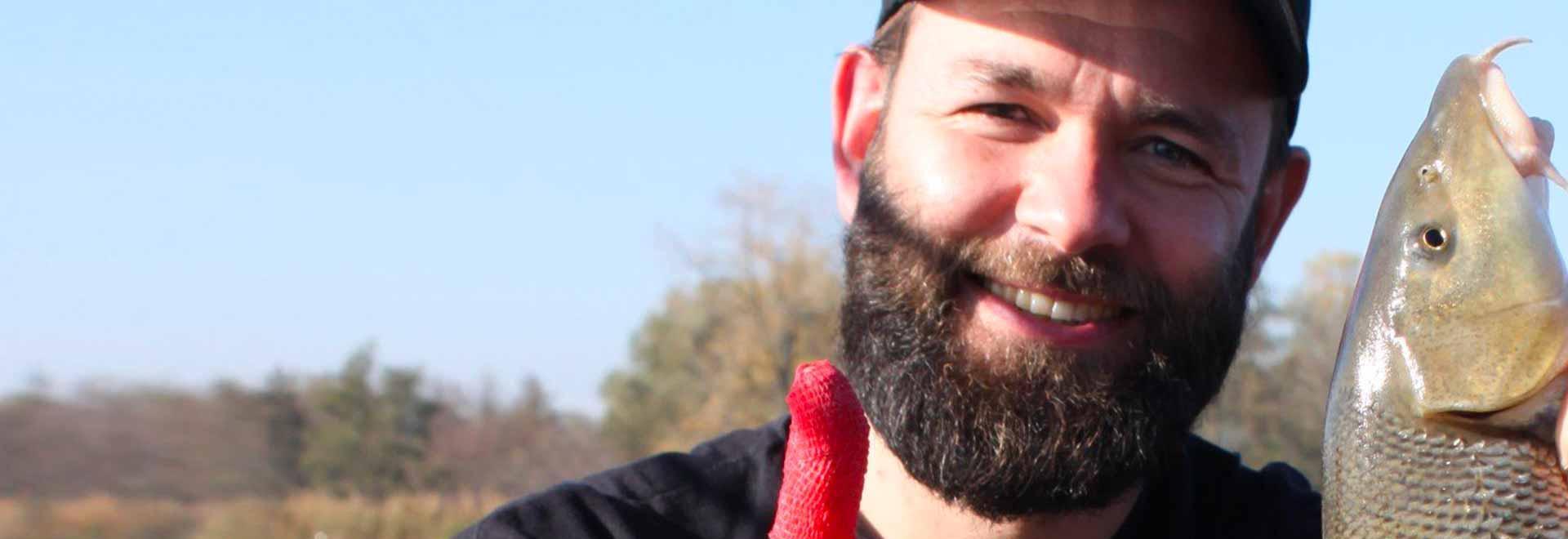 Grossi barbi sull'Adda a primavera